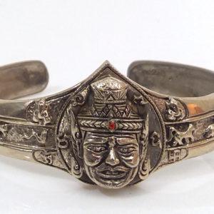 Kruba Krissna Lersi Por Gae bracelet love luck wishes karma